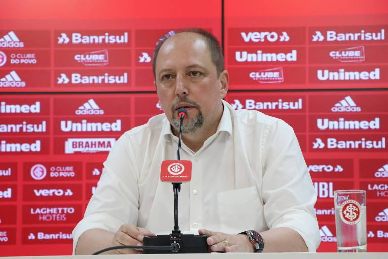 Presidente do Internacional, Alessandro Barcellos, durante entrevista coletiva