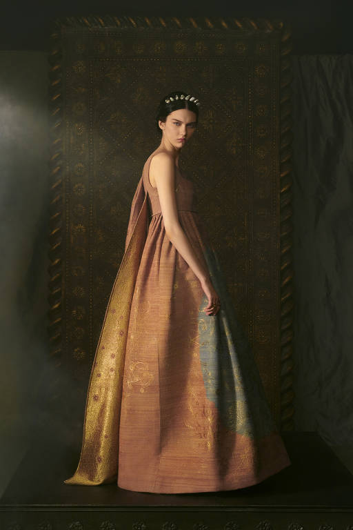 Cartas de tarô inspiram coleção com estilo renascentista da Dior