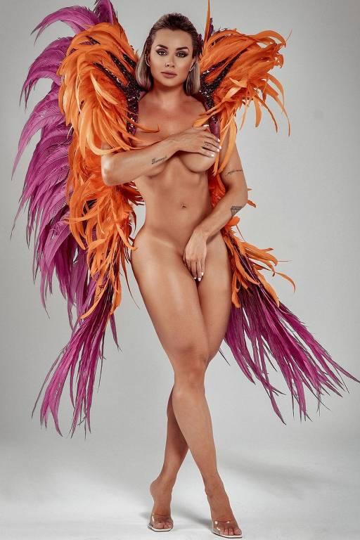 Imagens da modelo Juju Salimeni
