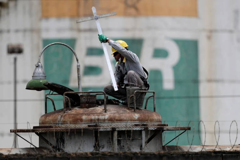 XP muda recomendação para ações da Petrobras depois de anúncio de troca de gestão