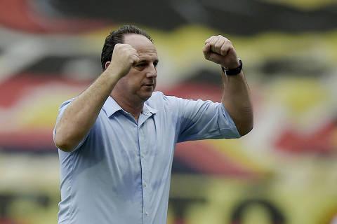 Campeão com Flamengo no Morumbi, Ceni escreve maior capítulo como técnico