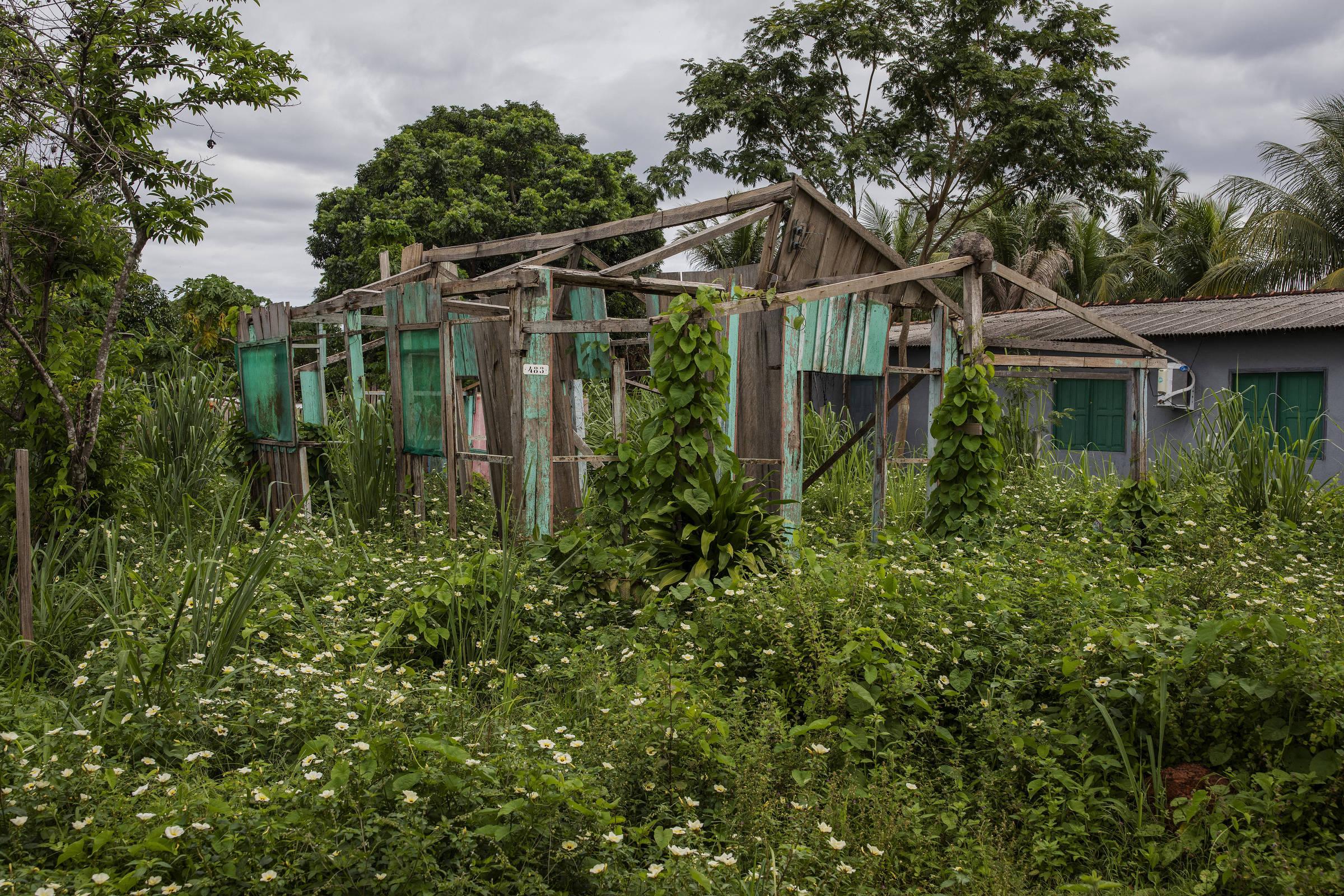 Casa abandonada na comunidade quilombola do Forte Príncipe da Beira