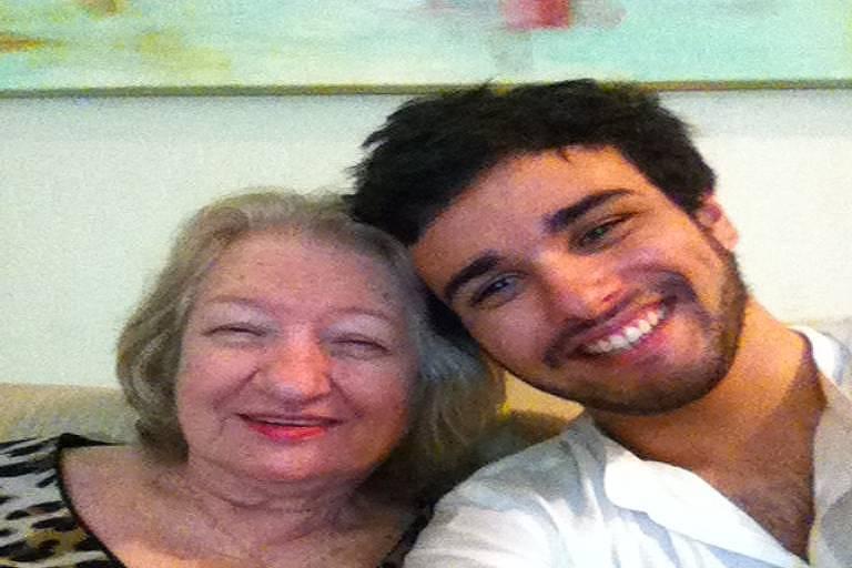 Fernando Aguzzoli e Nilva, a avó dele
