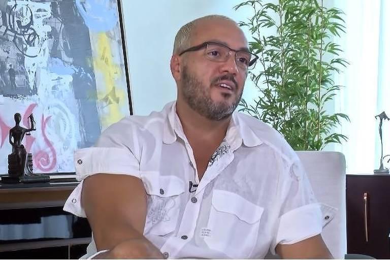Belo fala sobre prisão após show em escola pública no Rio