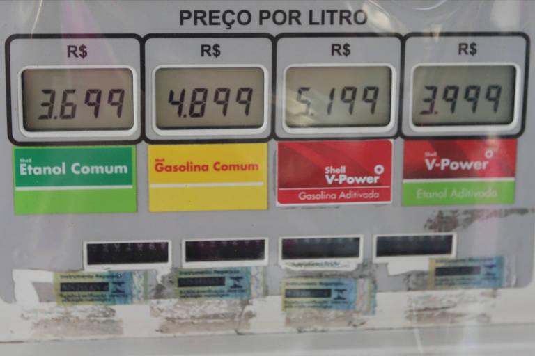 Preços em bomba de combustível