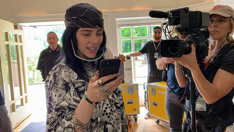 Confira imagens do documentário da cantora Billie Eilish