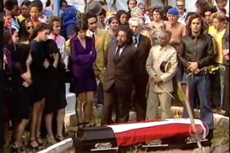 Enterro de Odorico Paraguaçu, em O Bem-Amado