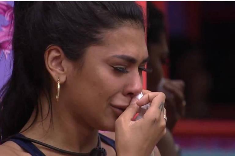 Pocah chora após ser vetada da Prova do Líder
