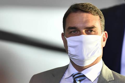 Auditor é demitido por Guedes, e tese de Flávio Bolsonaro sobre acesso ilegal de seus dados perde força