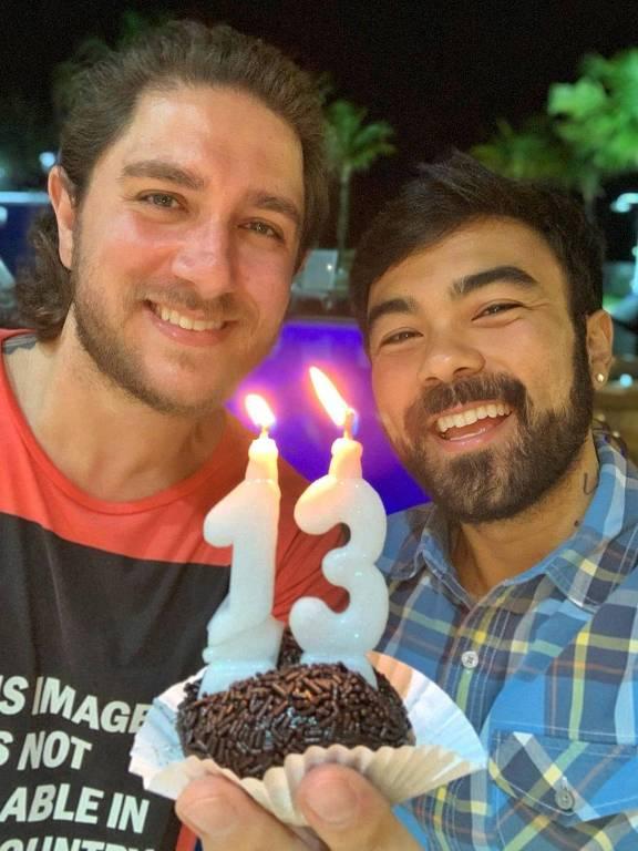 Mauro de Sousa, filho do cartunista Mauricio de Sousa, comemorou 13 anos de relacionamento com Rafael Piccin