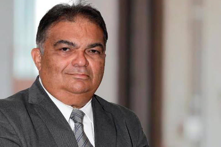 Este é o Almirante Flávio Rocha, cotado para assumir a Secretaria de Comunicação Social da Presidência