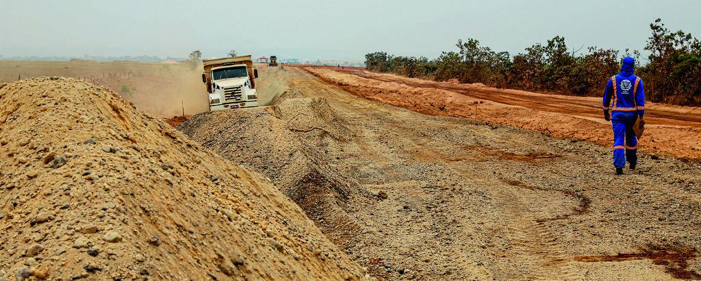 Pavimentação da MT-130, entre Paranatinga e até o distrito de Sete Placas