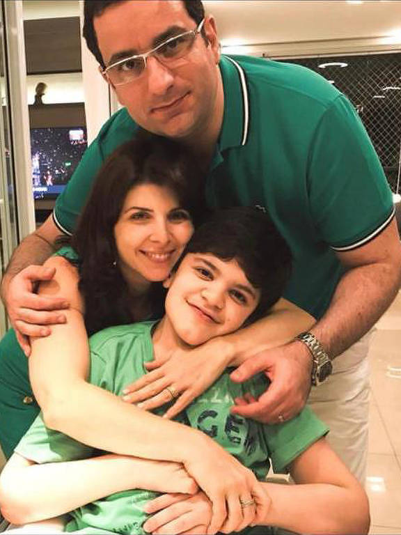 Toni Daher com o filho Anthony e a mulher Fernanda