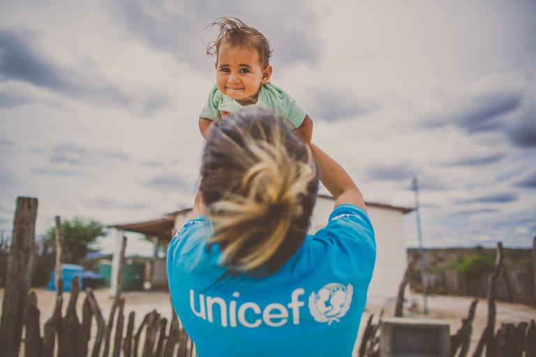 Parceria entre Roche e Unicef vai capacitar profissionais da área de saúde de várias regiões do país