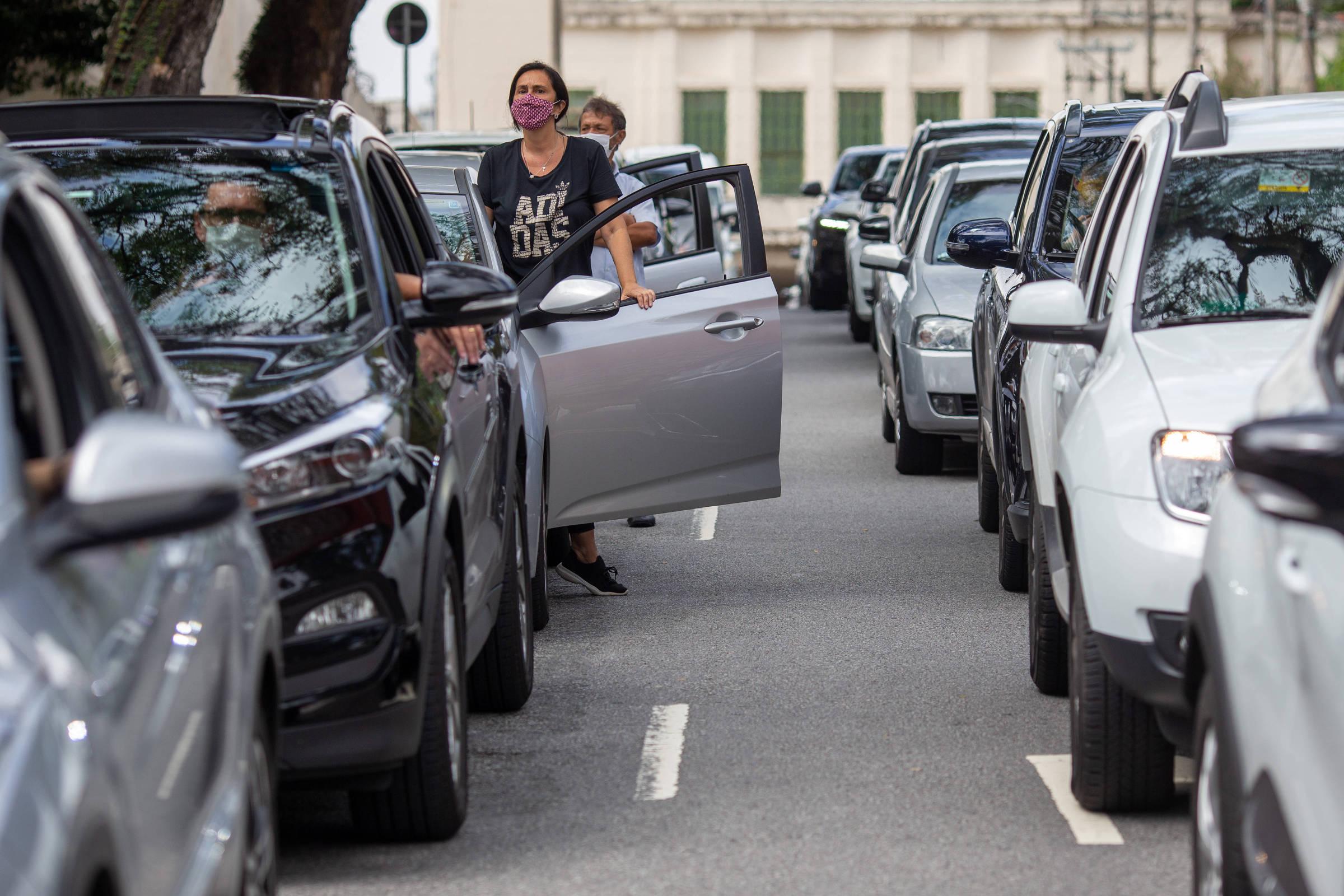 Prefeitura de SP expande drive-trhus, mas não para bairros afastados