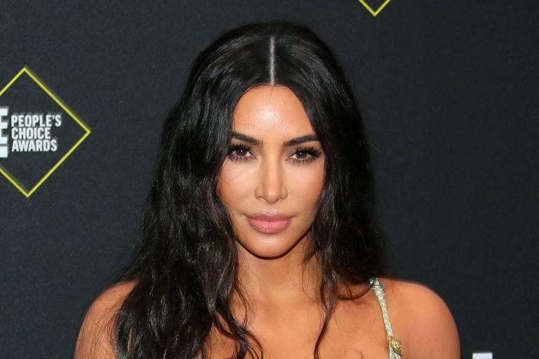 Kim Kardashian quer reduzir seios e adotar visual mais sofisticado