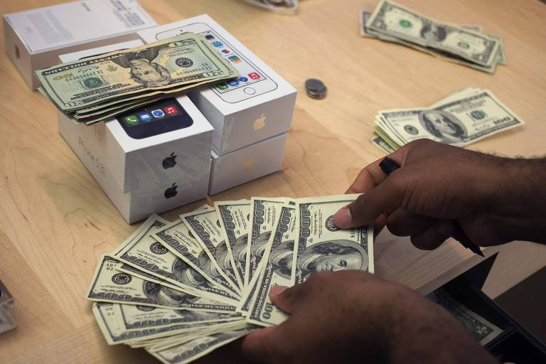 Venda de novas unidades de iPhone após lançamento no EUA