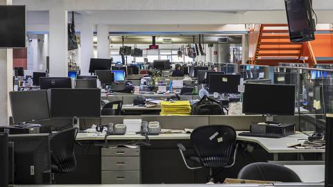 Sao Paulo, SP, BRASIL, 09-04-2020:  ***Especial FOLHA*** Ensaio fotografico na Redacao da FOLHA quarta feira a tarde durante  quarentena imposta pela pandemia do Coronavirus. (Foto: Eduardo Knapp/Folhapress, ESPECIAIS).