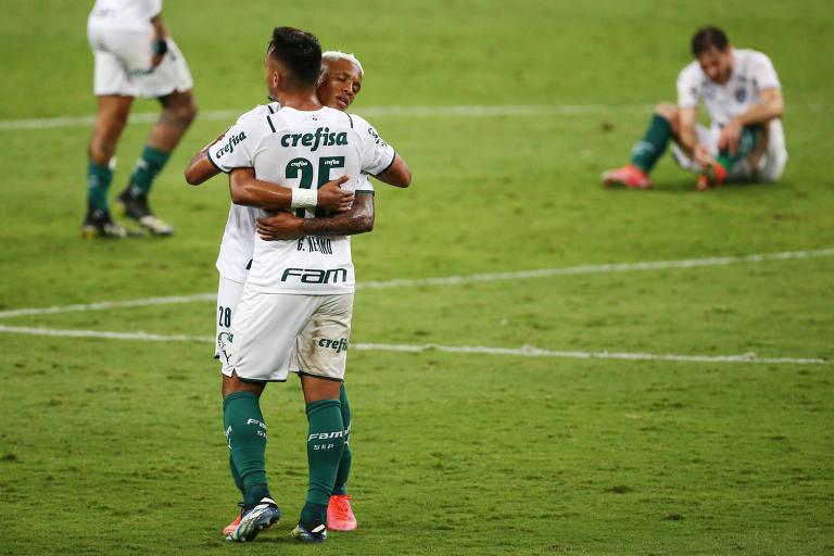 Palmeirenses comemoram vitória que garante vantagem do empate no jogo de volta