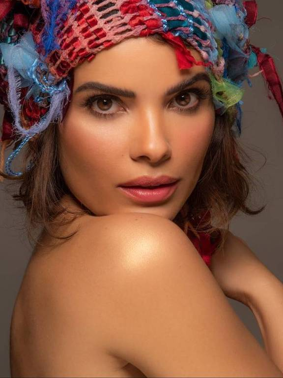 Imagens da atriz Vanessa Giácomo