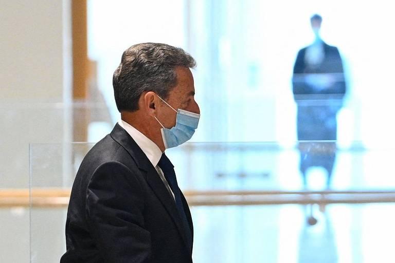 Punido pelas velhas práticas, Sarkozy é a última paixão política dos franceses