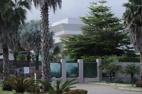 BRASÍLIA, DF, 02.03.2021 9h30: Casa comprada pelo senador Flávio Bolsonaro no Setor de Mansões Dom Bosco no Lago sul.(Foto: Raul Spinassé/Folhapress, COTIDIANO) ***EXCLUSIVO FOLHA***