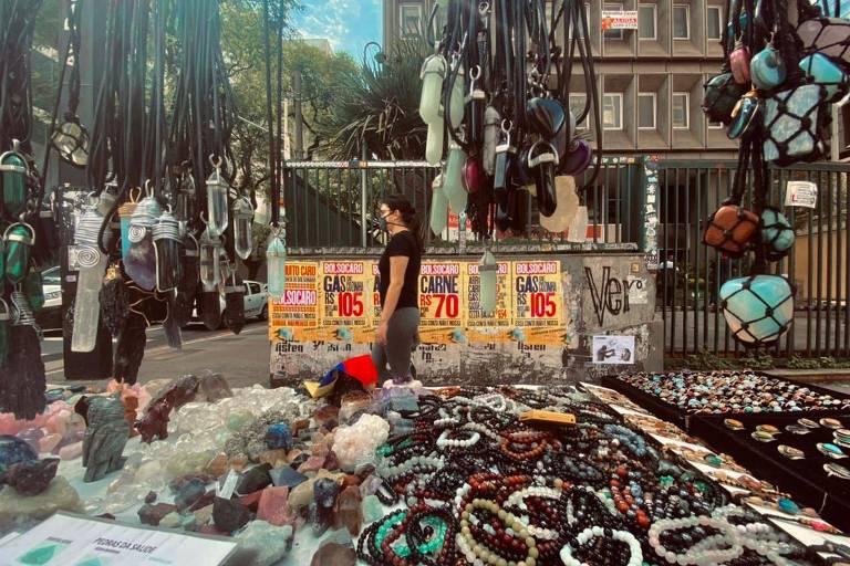 Campanha 'Bolsocaro' critica aumento de preços pelas ruas de SP