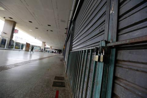 Levante de governadores pressiona Bolsonaro no auge da crise da Covid-19