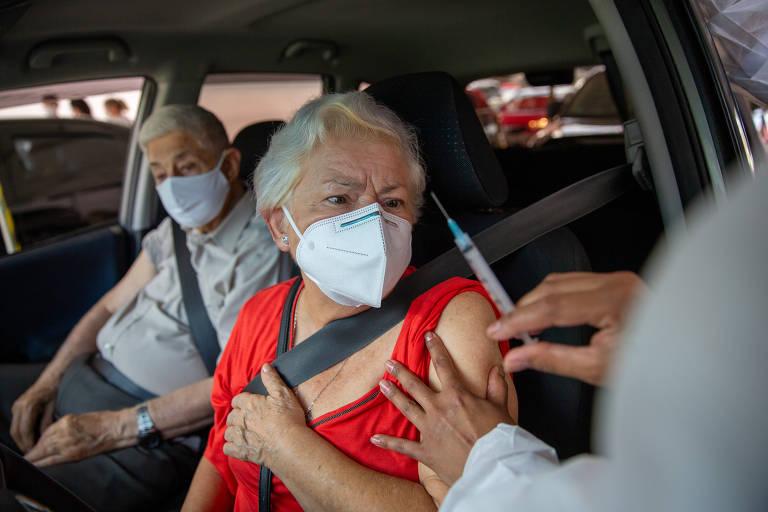 Vacinação contra Covid-19 no estádio do Morumbi