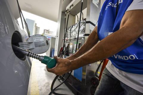 SÃO JOSE DOS CAMPOS, SP, 02.05.2019 - Vista de um posto de combustível na região central de São José dos Campos (SP). (Foto: Lucas Lacaz Ruiz/Folhapress)