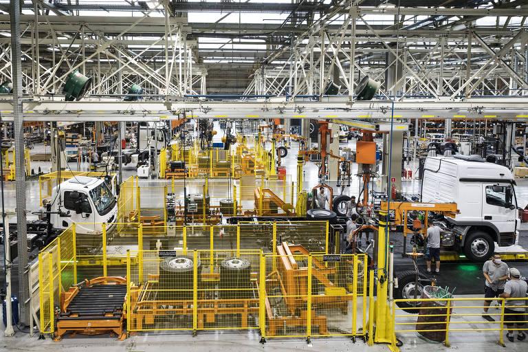 Produção industrial cai 0,7% em agosto e fica 2,9% abaixo do patamar pré-pandemia
