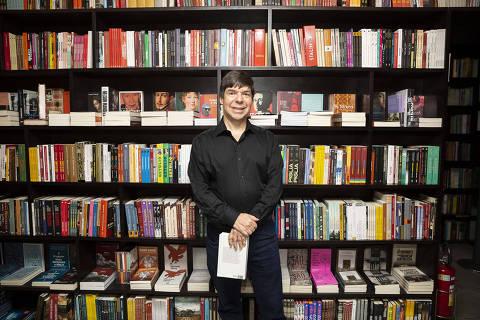 SAO PAULO, SP, BRASIL 10.08.2019 Sidney Molina (crítico de música e violonista). Lançamento do livro