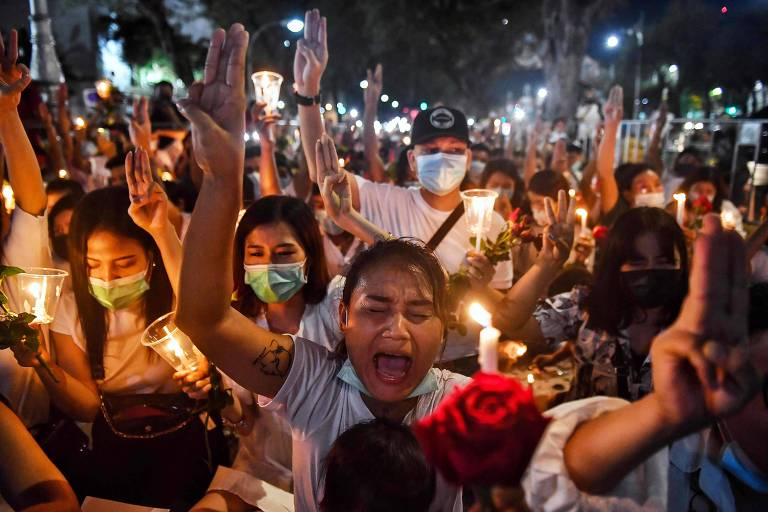 Manifestantes desafiam polícia e voltam a protestar após dia mais violento em Mianmar