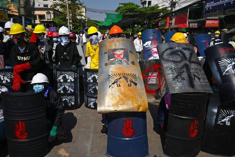 Homem de 26 anos é morto em repressão a protestos antigolpe em Mianmar