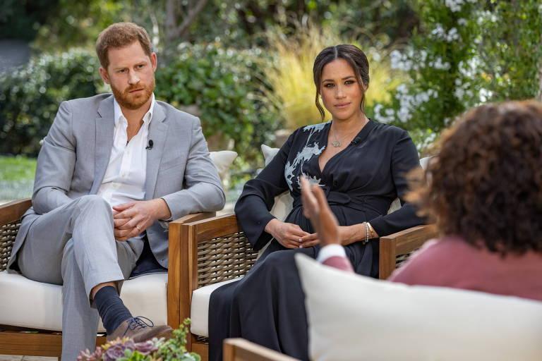 Antes da entrevista de Oprah com Harry e Meghan, voam acusações na família real