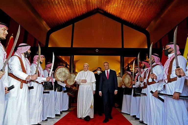 'É dever com terra martirizada', diz papa Francisco sobre visita ao Iraque apesar da Covid