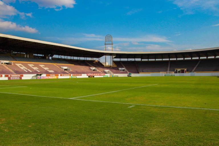 Estádio da Fonte Luminosa, da Ferroviária, de Araraquara