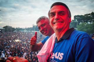 Jair Bolsonaro e Major Olímpio durante a Marcha para Jesus 2018