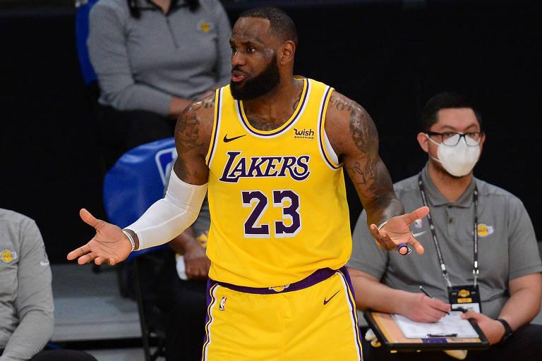 O jogador de basquete americano, LeBron James