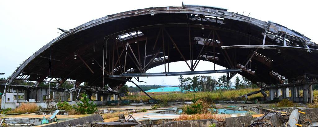 Escombros vistos em Futaba, na província de Fukushima (Japão), nos arredores de onde está a usina nuclear