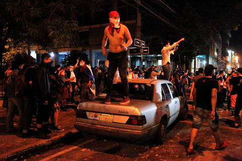 Protestos no Paraguai pedem saída de presidente por má gestão da pandemia