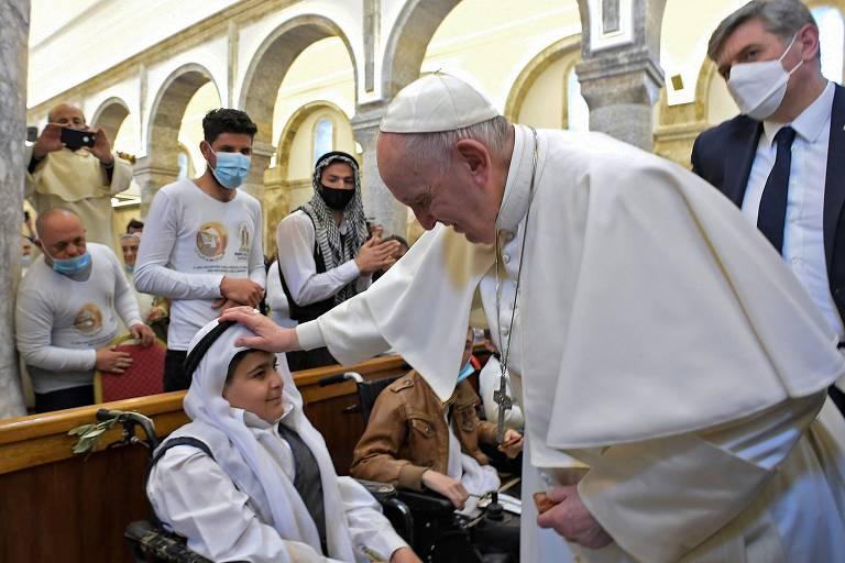 Papa pede tolerância em visita a cidade devastada pelo Estado Islâmico no Iraque