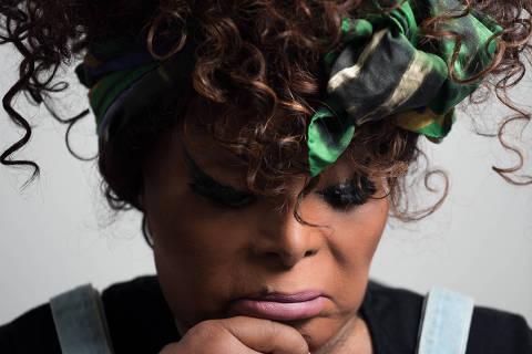 A gente está vendo exemplos do próprio negro sendo racista, diz Elza Soares