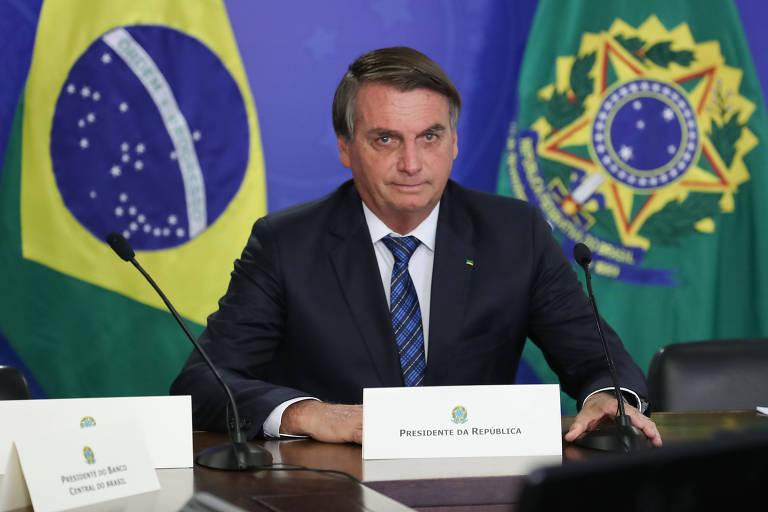 Bolsonaro diz que brasileiro não quer Lula em 2022 e que Fachin tem 'ligação' com o PT