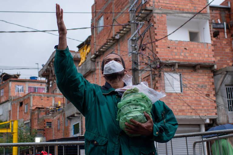 Dezenas de iniciativas nas periferias se mobilizaram para arrecadar alimentos para os mais pobres