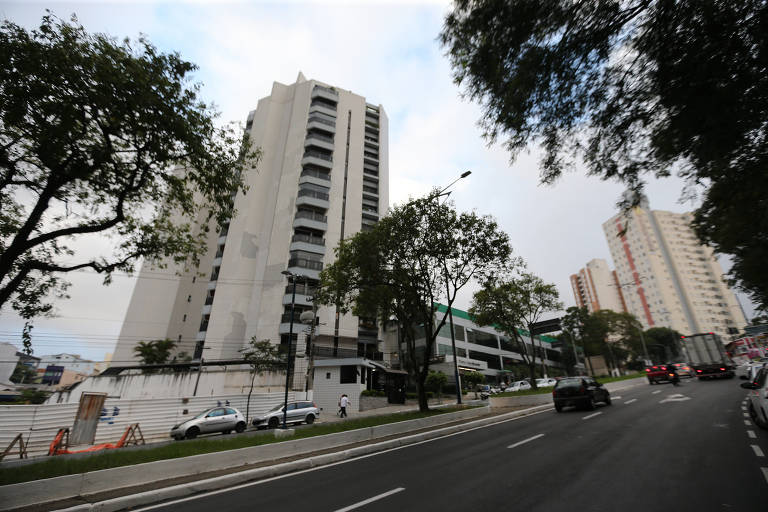 Apoiadores de Lula comemoram decisão do STF