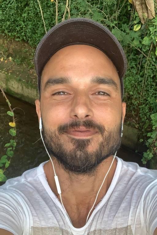 Imagens do ator Léo Rosa