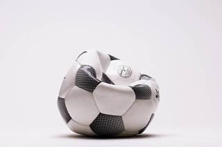 Imagem de bola de futebol - Carderno Emprego & Carreiras