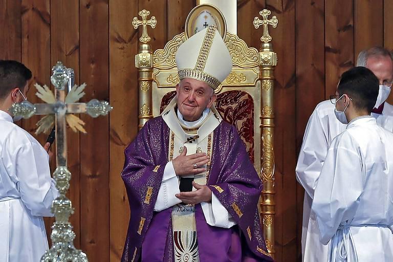 Papa Francisco questiona venda de armas a terroristas após viagem histórica ao Iraque