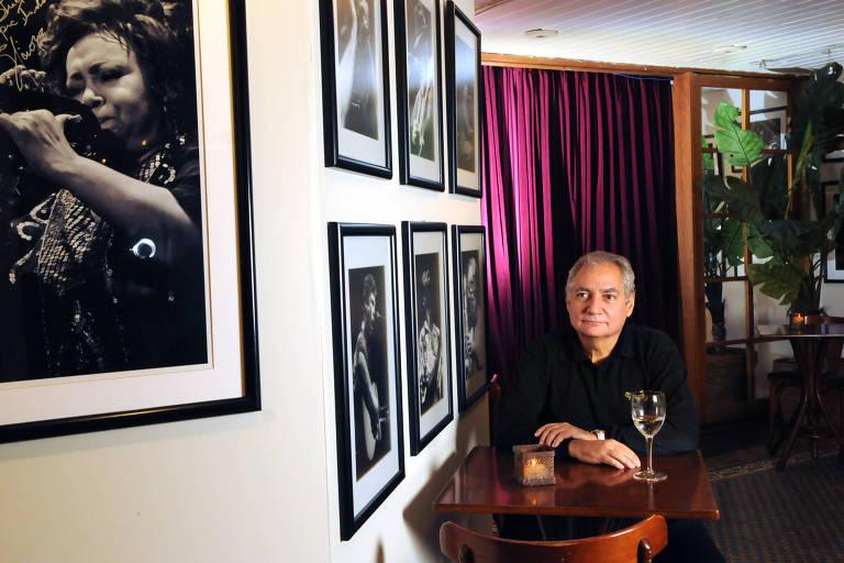 Edgard Radesca, proprietário da casa de shows Bourbon Street, posa no espaço
